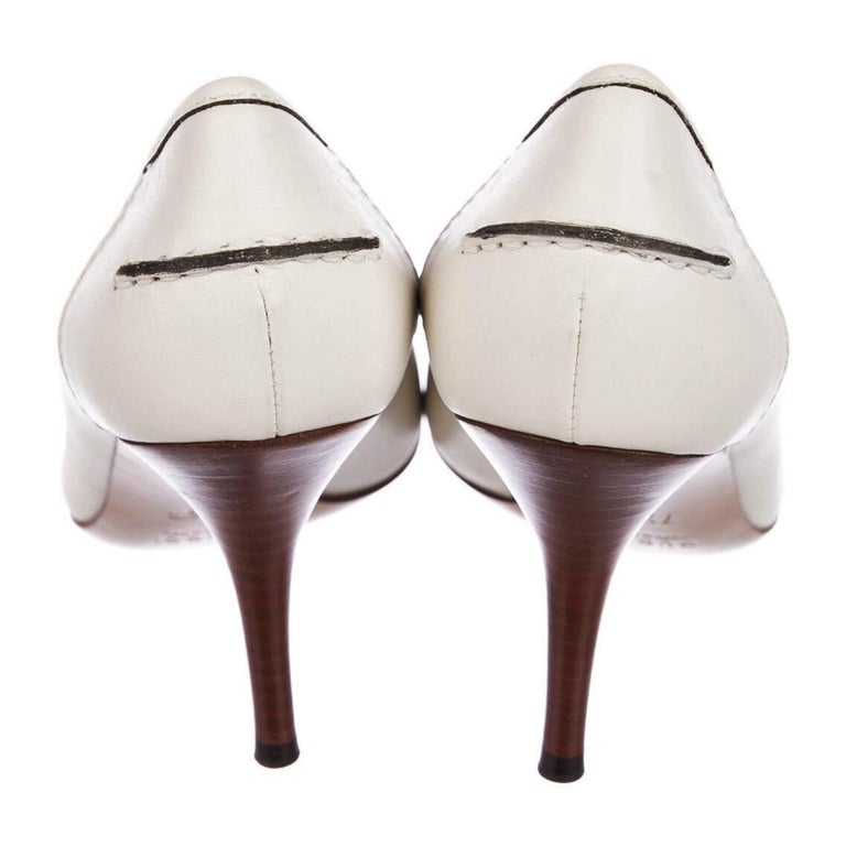 New Gucci Resort 2007 Winter White Leather Bamboo Tassel Heels Pumps Sz 7.5 For Sale 6