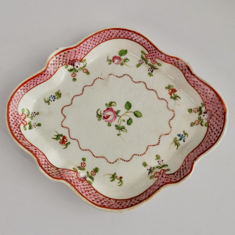 New Hall Porcelain Tea Service Knitting Wool Pattern Georgian Regency circa 1800 In Good Condition For Sale In London, GB