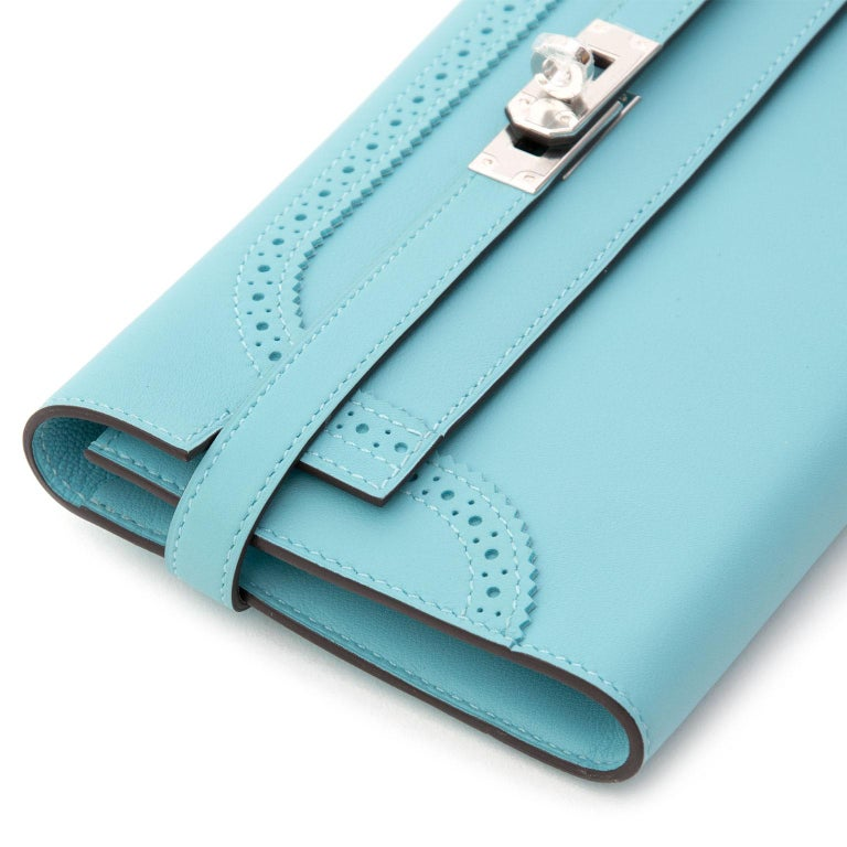 NEW Hermes Kelly Classic Ghillies Wallet Veau Swift Blue Atole PHW In New Condition For Sale In Antwerp, BE