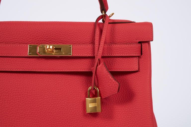 Women's New Hermès Rouge Pivoine Togo 32cm Kelly Bag in Box