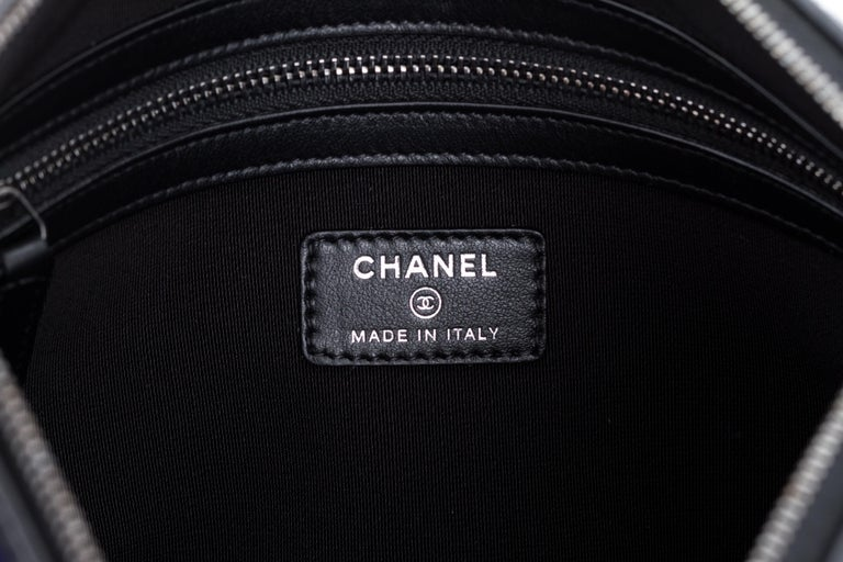 New in Box Chanel Navy Paris Salzburg Clutch Bag In New Condition For Sale In Los Angeles, CA