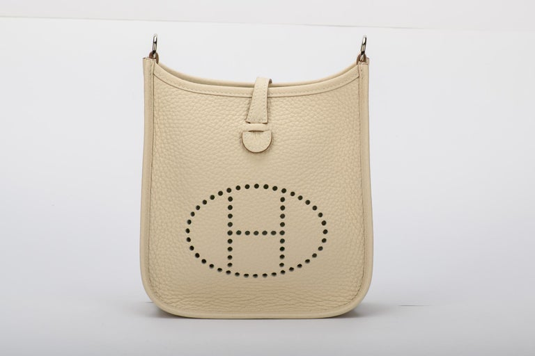 New in Box Hermes Craie Clemence Evelyne TPM Bag In New Condition For Sale In Los Angeles, CA