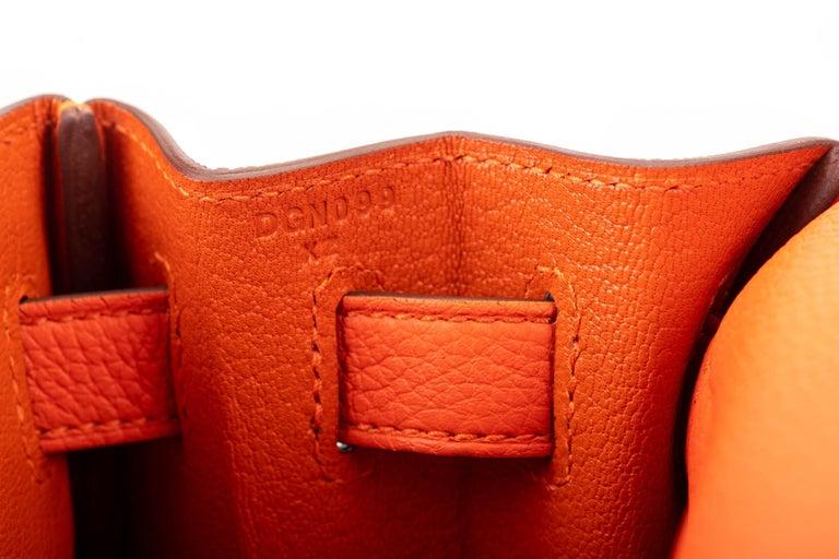 New in Box Hermes Kelly 28cm Feu Togo Gold Bag For Sale 5