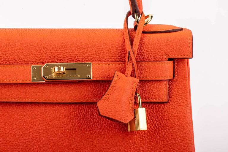 Women's New in Box Hermes Kelly 28cm Feu Togo Gold Bag For Sale