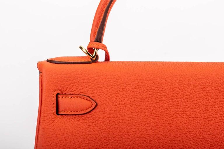 New in Box Hermes Kelly 28cm Feu Togo Gold Bag For Sale 1