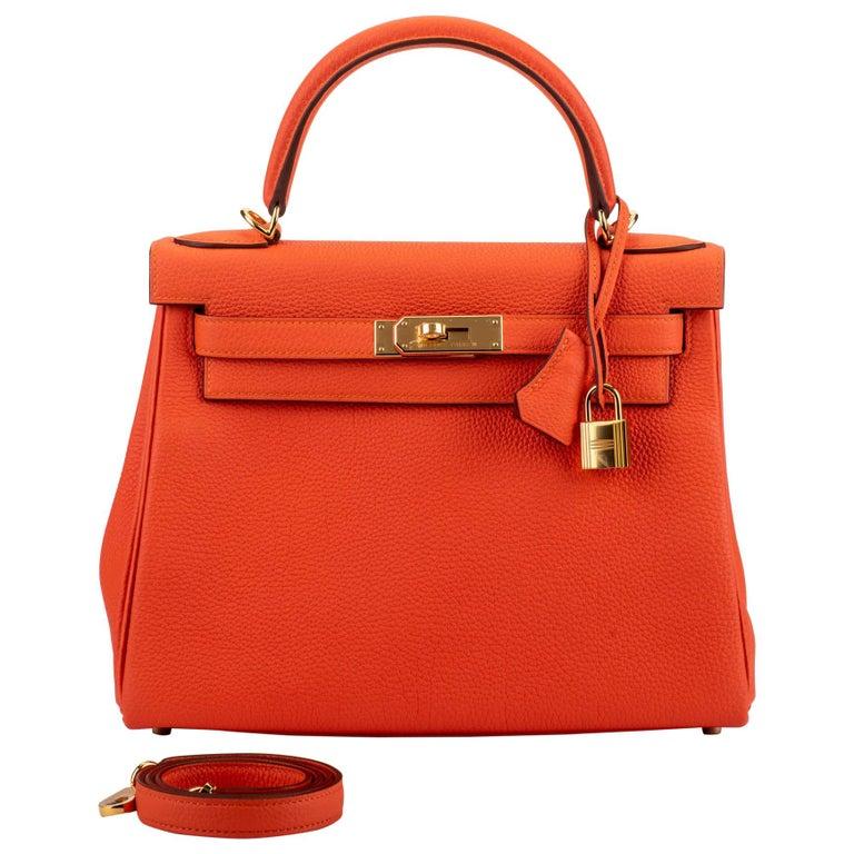 New in Box Hermes Kelly 28cm Feu Togo Gold Bag For Sale