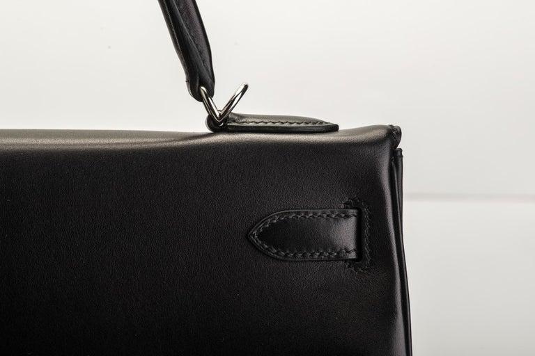 New in Box Hermes Kelly 32 Black Evercalf Bag For Sale 4