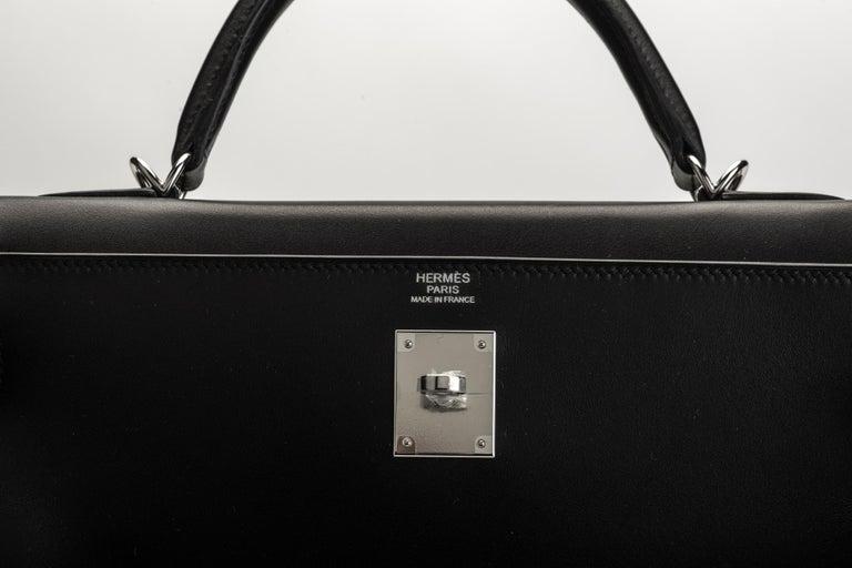 New in Box Hermes Kelly 32 Black Evercalf Bag For Sale 2