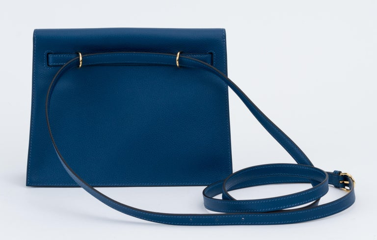 New in Box Hermes Kelly Danse Deep Blue Gold Bag In New Condition For Sale In West Hollywood, CA
