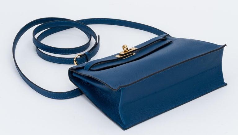 Women's New in Box Hermes Kelly Danse Deep Blue Gold Bag For Sale