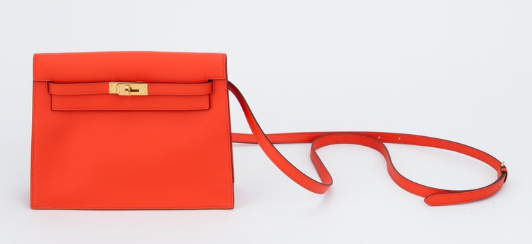 New in Box Hermes Kelly Danse Feu And Gold In New Condition For Sale In West Hollywood, CA