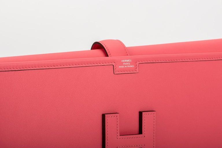 Women's or Men's New in Box Hermes Rare Rose Azalee Jige Elan Clutch For Sale