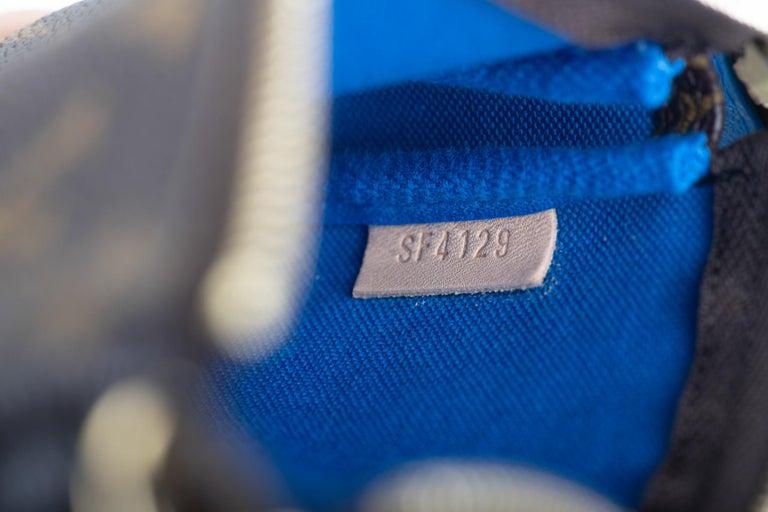 New in Box Louis Vuitton Limited Edition Christmas Venice Pouchette bag For Sale 1