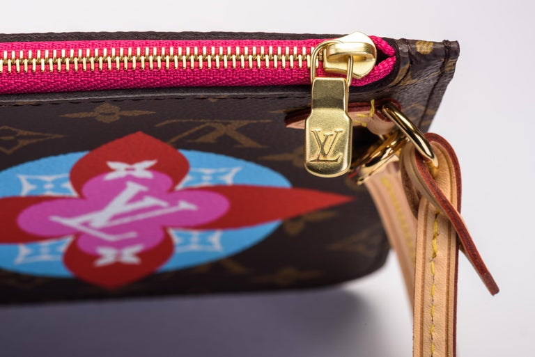 116e76fc151d New in Box Louis Vuitton Limited Edition Stickers Neverfull Tote Bag For  Sale 11
