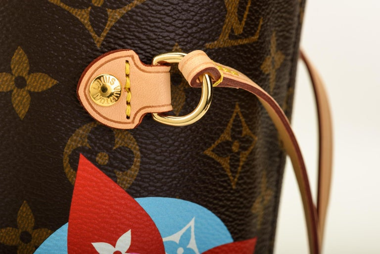 50fb8a1d7859 New in Box Louis Vuitton Limited Edition Stickers Neverfull Tote Bag For  Sale 1