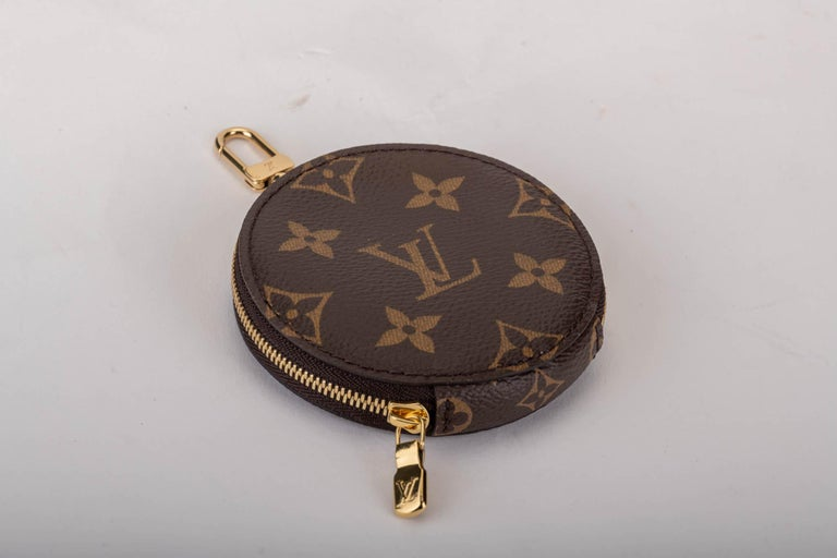 New in Box Louis Vuitton Multi Green Crossbody Pouch Bag For Sale 5