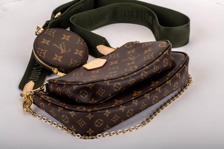 New in Box Louis Vuitton Multi Green Crossbody Pouch Bag In New Condition For Sale In West Hollywood, CA
