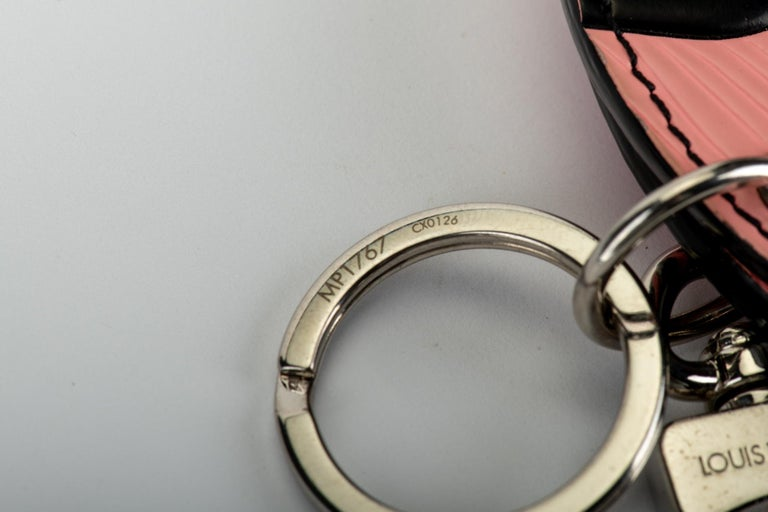 New in Box Louis Vuitton PInk Double Mirror Bag Charm For Sale 2
