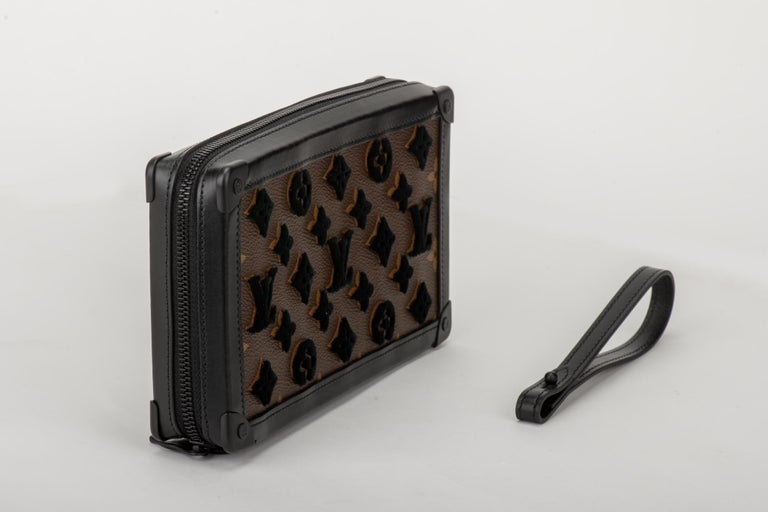 Black New in Box Louis Vuitton Runway SS 2020 Velvet Clutch Bag For Sale
