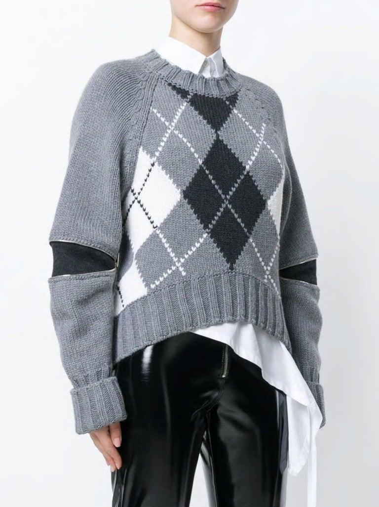 New Laura Dern Big Little Lies Alexander McQueen Argyle Sweater Sz L $1295 In New Condition In Leesburg, VA