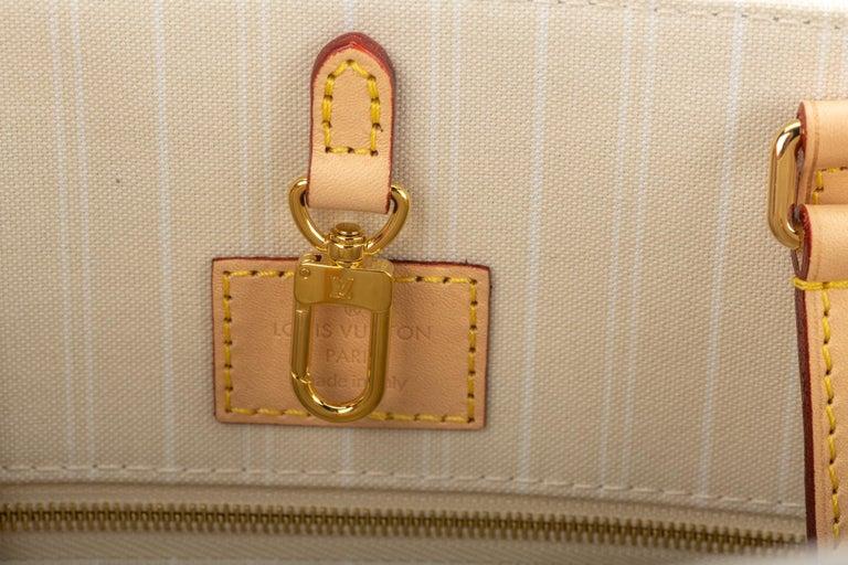 New Louis Vuitton 2021 On The Go Saint Tropez Bag For Sale 8