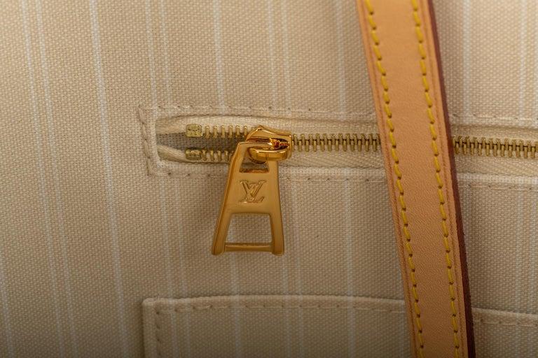 New Louis Vuitton 2021 On The Go Saint Tropez Bag For Sale 9