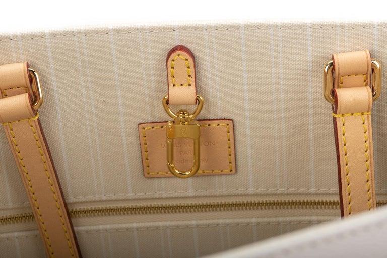 New Louis Vuitton 2021 On The Go Saint Tropez Bag For Sale 10