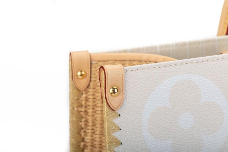 New Louis Vuitton 2021 On The Go Saint Tropez Bag For Sale 13