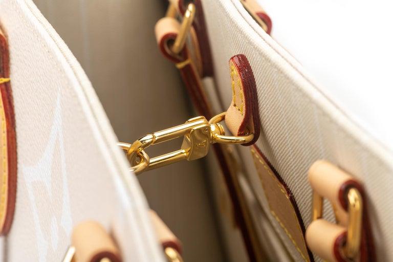 New Louis Vuitton 2021 On The Go Saint Tropez Bag For Sale 3