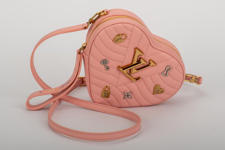 New Louis Vuitton Limited Edition Red Heart Clutch Belt Bag For Sale 2