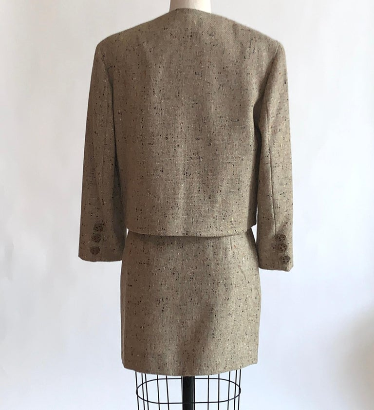 Women's New Moschino Cheap & Chic 1990s Oatmeal Tweed Skirt Suit with Heart Buttons For Sale