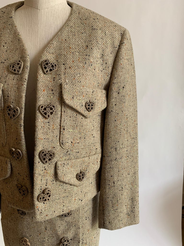 New Moschino Cheap & Chic 1990s Oatmeal Tweed Skirt Suit with Heart Buttons For Sale 1