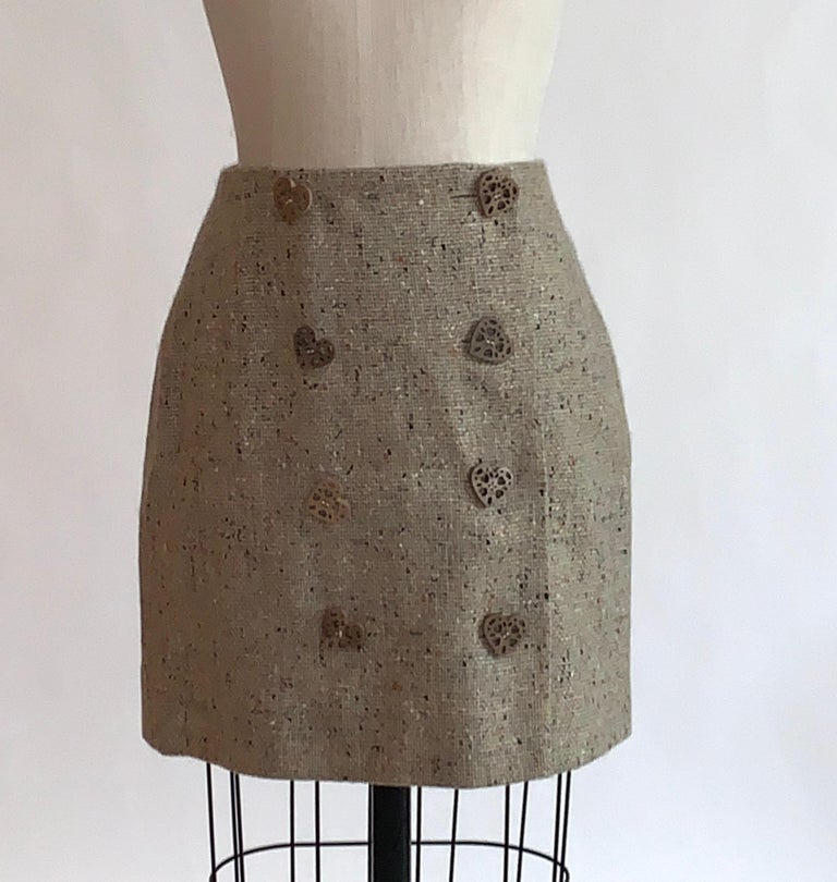 New Moschino Cheap & Chic 1990s Oatmeal Tweed Skirt Suit with Heart Buttons For Sale 2