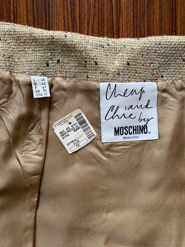 New Moschino Cheap & Chic 1990s Oatmeal Tweed Skirt Suit with Heart Buttons For Sale 4