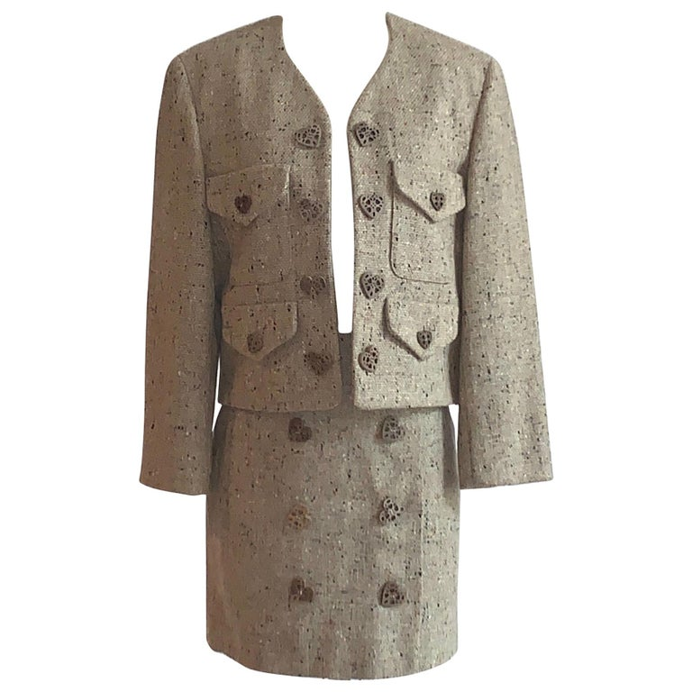 New Moschino Cheap & Chic 1990s Oatmeal Tweed Skirt Suit with Heart Buttons For Sale