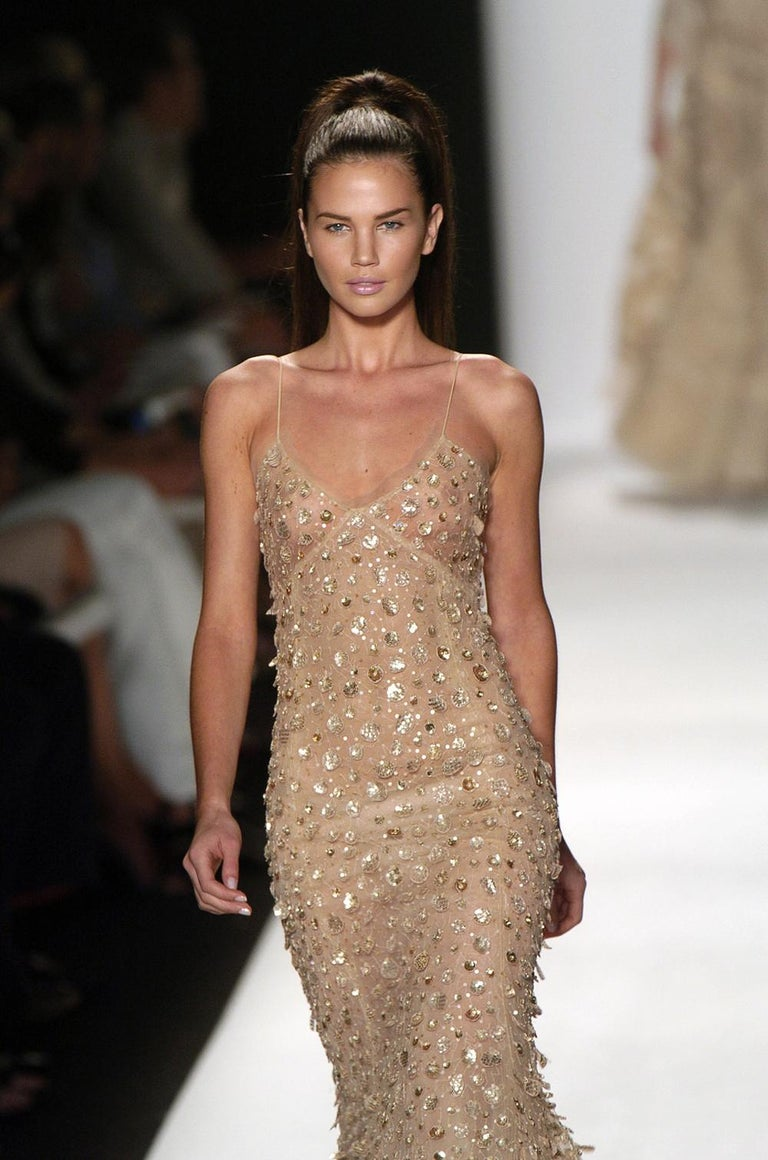 New Oscar de la Renta SS 2006 Runway Red Carpet Nude Sequin Embellished Gown 6 8 In New Condition For Sale In Montgomery, TX