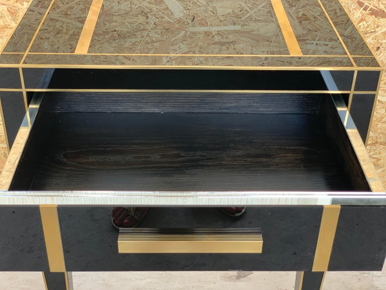 New Pair of Mirrored Low Nightstand in Black Mirror and Chrome with Drawer For Sale 5