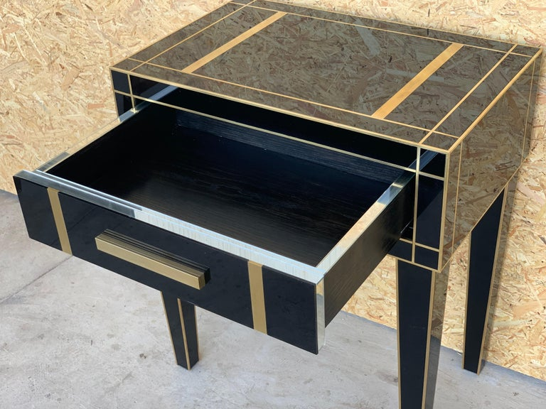 New Pair Mirrored Nightstand in Black Mirror and Chrome with Drawer In Excellent Condition In Miami, FL