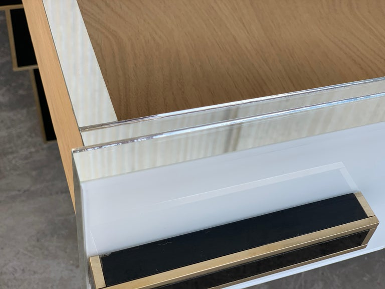 New Pair of Mirrored & Brass Nightstands with One-Drawer in Black & White Glass For Sale 5