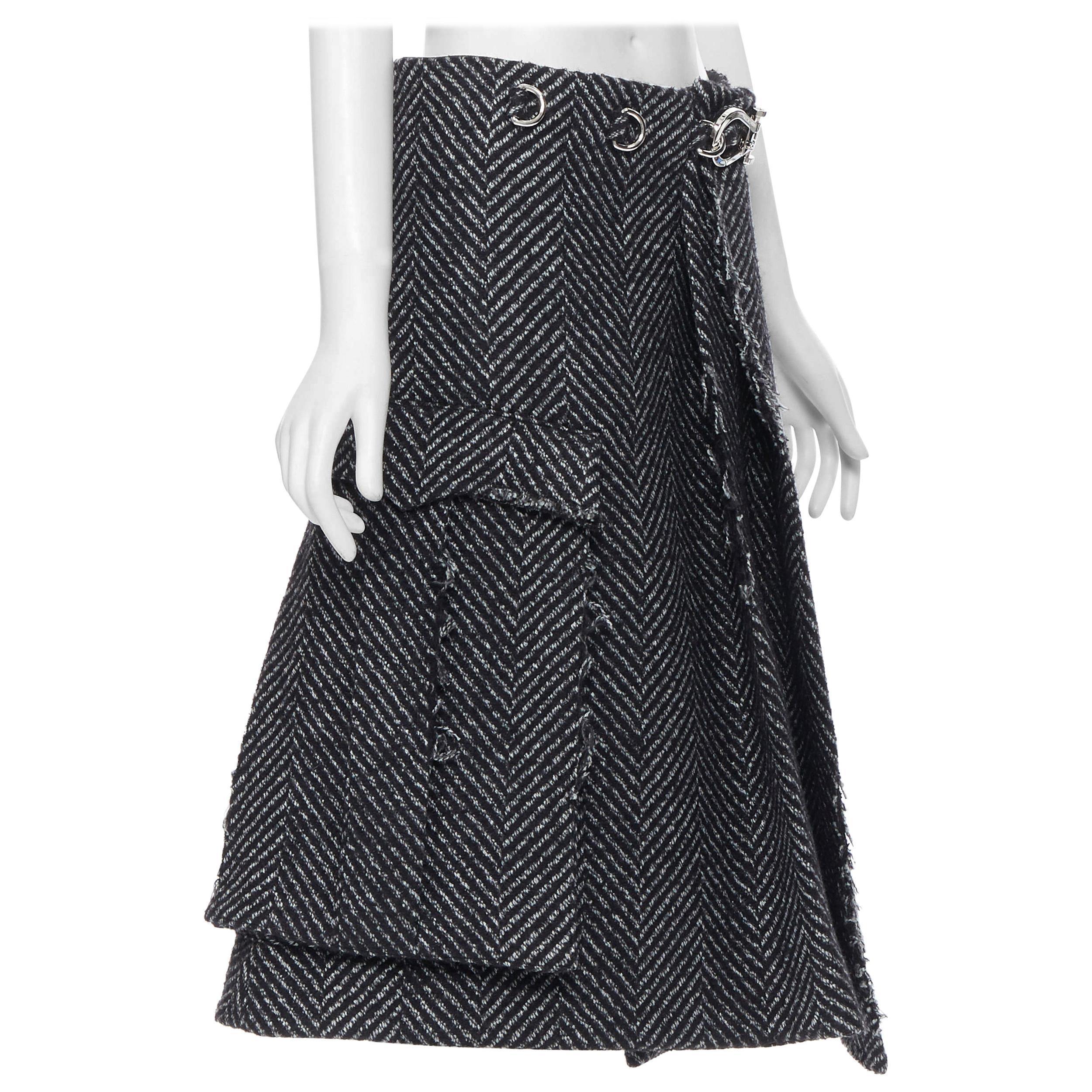 new PRADA 2019 Runway grey chevon wool tweed frayed metal clasp skirt IT40 S