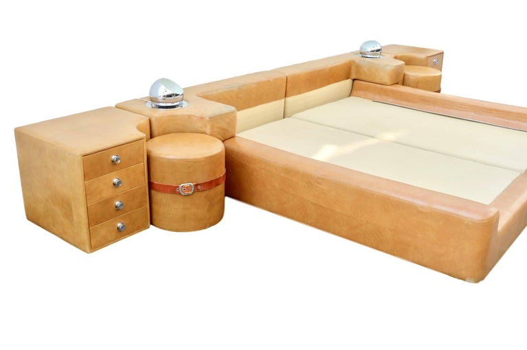 New Production Leather King Bed in the Style of Guido Faleschini for Pace In Excellent Condition For Sale In Los Angeles, CA