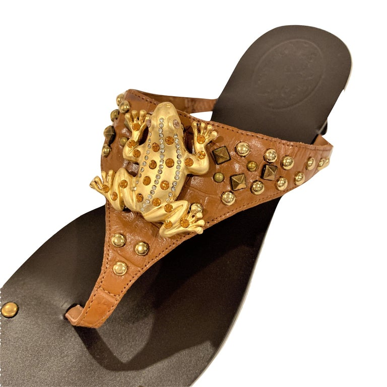 New Ramon Tenza Spain Gold Frog Flat Sandal Slide Sz 7.5 In New Condition For Sale In Leesburg, VA