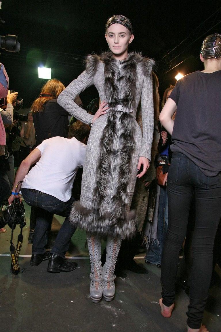 New Rare Alexander McQueen F/W 2011 Fox Fur & Wool Runway Coat Dress IT42  For Sale 5