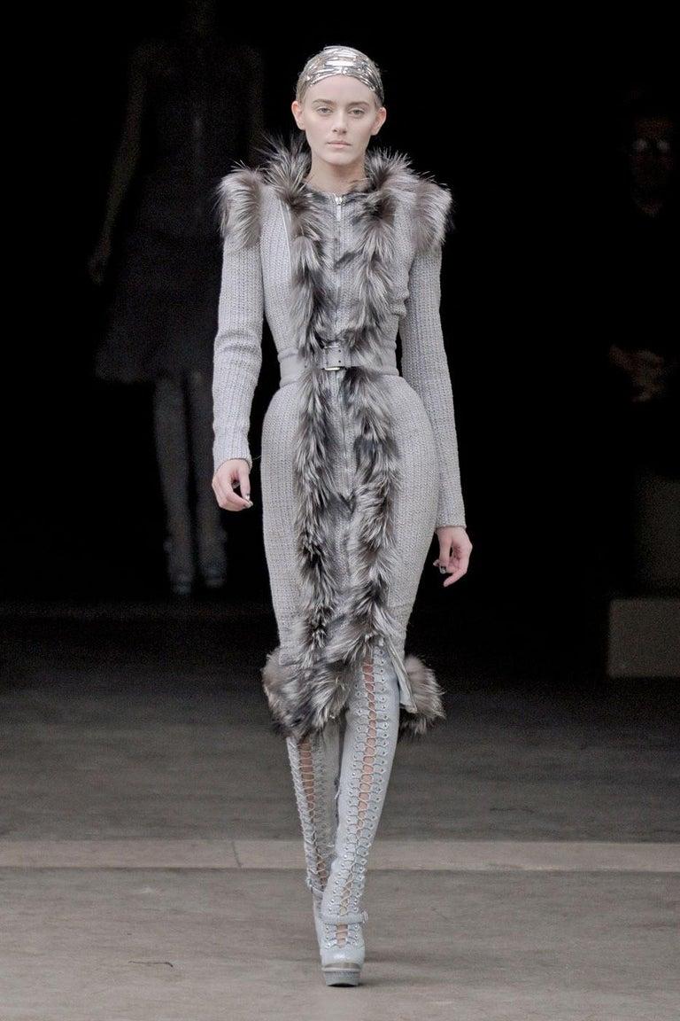 New Rare Alexander McQueen F/W 2011 Fox Fur & Wool Runway Coat Dress IT42  For Sale 14