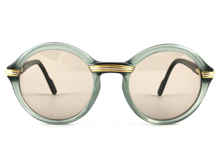New Rare Cartier Cabriolet Round Jade & Gold 49MM 18K Sunglasses France 1990's In New Condition For Sale In Amsterdam, Noord Holland