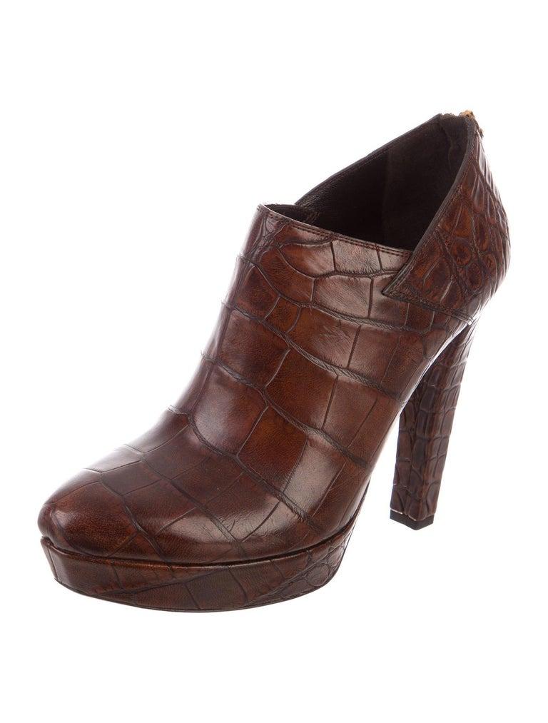 New Rare Gucci Crocodile Platform Heels Pumps Booties Boots Sz 38 In New Condition For Sale In Leesburg, VA