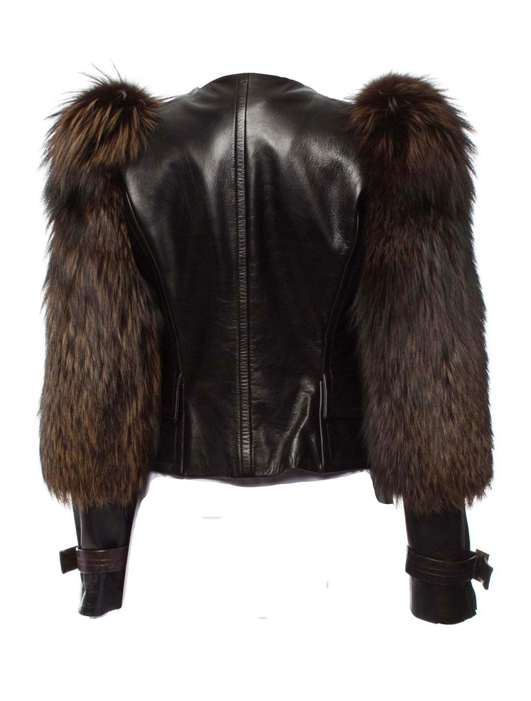 New Rare Tom Ford for Gucci F/W 2003 Fox Fur Runway Ad Jacket Coat Sz 40 $9,650 For Sale 5
