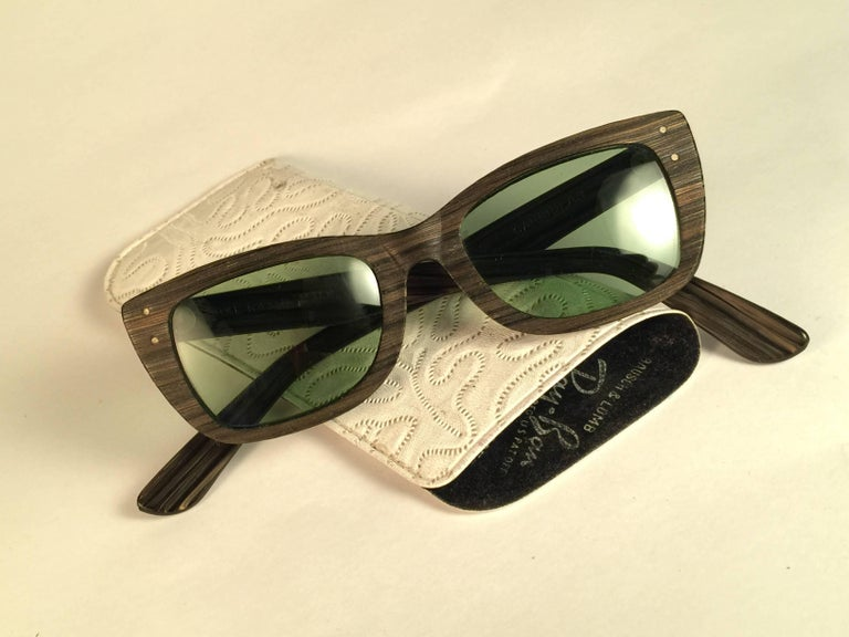 New Ray Ban Caribbean 1960's Mid Century Wood Green Lenses B&L USA Sunglasses In New Condition For Sale In Amsterdam, Noord Holland