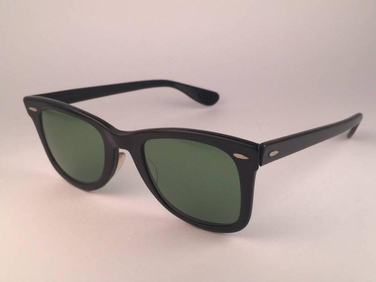 Vintage Ray Ban Wayfarer 1960's Mid Century Black 1ST EDITION B&L USA Sunglasses For Sale 1