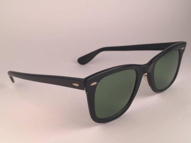 Vintage Ray Ban Wayfarer 1960's Mid Century Black 1ST EDITION B&L USA Sunglasses For Sale 2